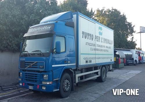 Usato / VOLVO TRUCK FM7 290 /  Km 750.000 /  2001
